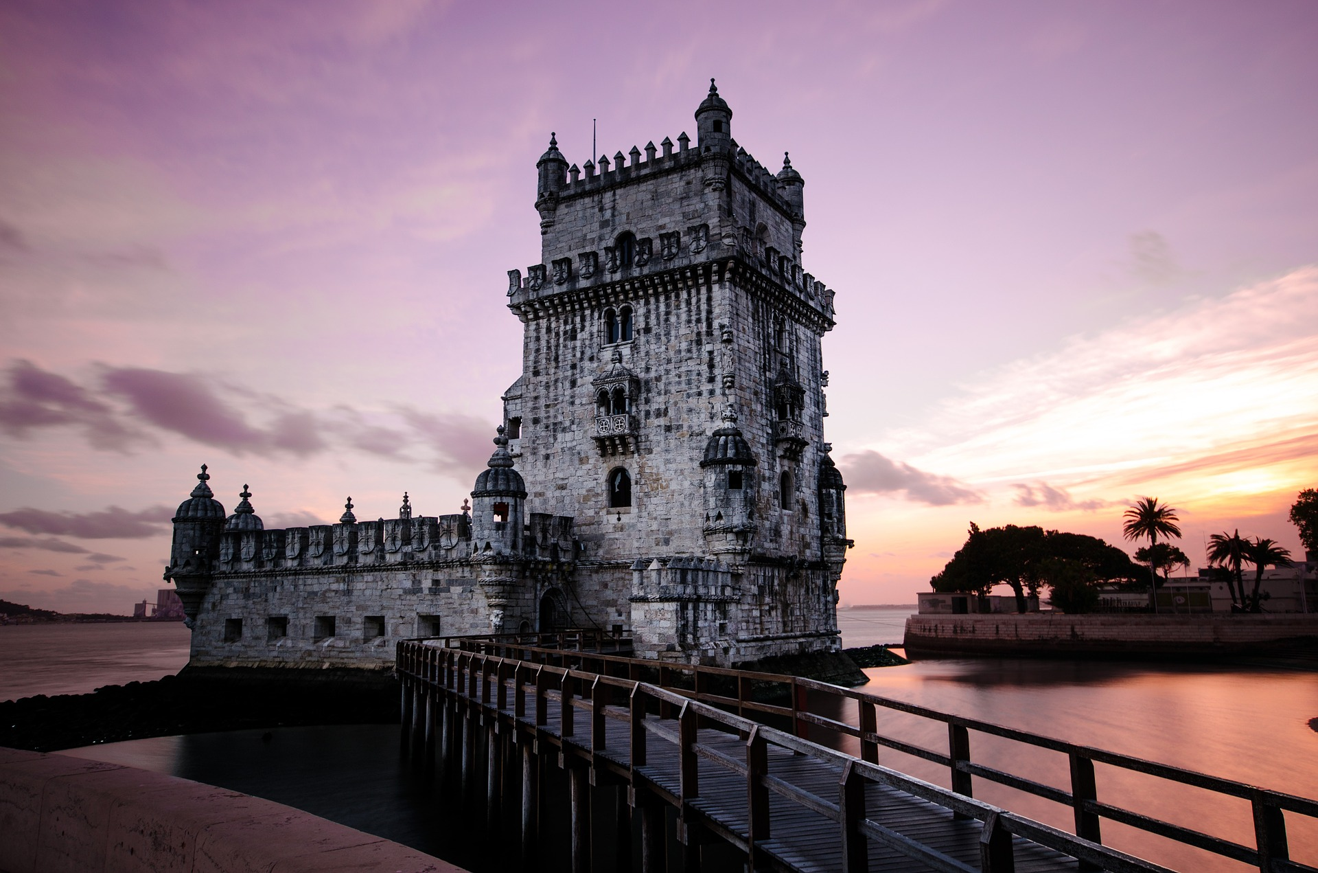Santuários religiosos em Portugal